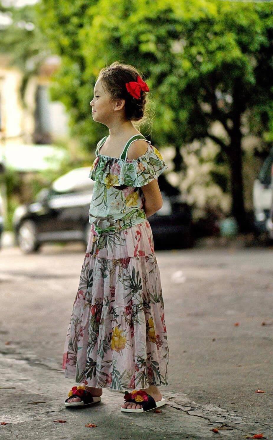 Mới 7 tuổi, con gái Hồng Nhung đã lộ rõ vẻ lai Tây xinh đẹp, được dự báo trở thành mỹ nhân tương lai của Vbiz-2