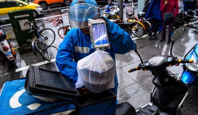 Tài xế giao đồ ăn ở Trung Quốc - công việc đầy vất vả và nguy hiểm-5