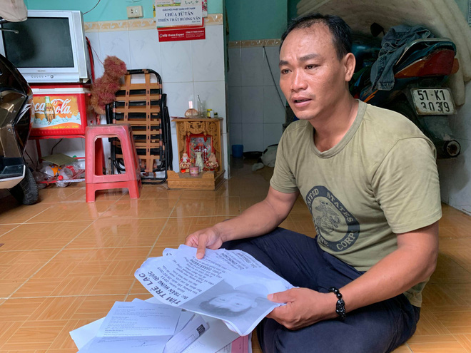 Xúc động người cha ở Sài Gòn ôm con khóc trong hạnh phúc sau hơn 4 tháng tìm kiếm mỏi mòn-1