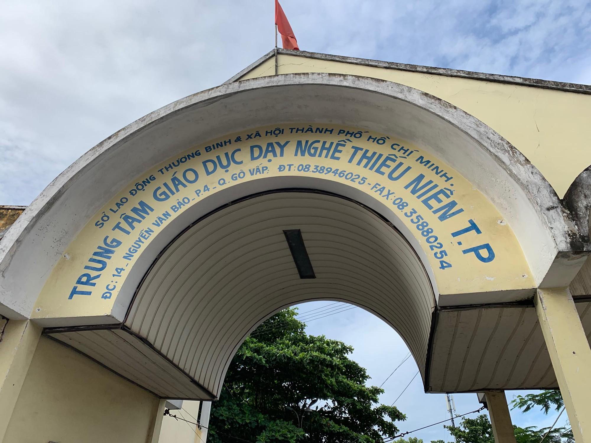 Xúc động người cha ở Sài Gòn ôm con khóc trong hạnh phúc sau hơn 4 tháng tìm kiếm mỏi mòn-3