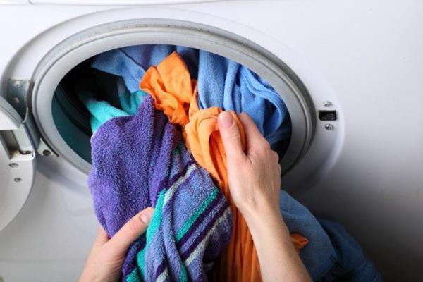 Những sai lầm sử dụng máy giặt gây tốn điện, hỏng quần áo-3