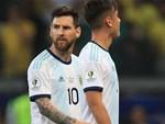 Cộng đồng mạng bất bình, phẫn nộ khi chứng kiến Messi phải nhận chiếc thẻ đỏ gây tranh cãi-8