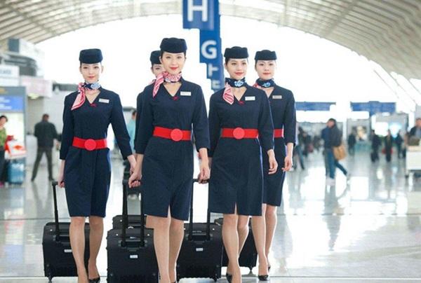 Chiêm ngưỡng dàn chân dài quyến rũ của các hãng hàng không nổi tiếng-12