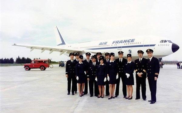 Chiêm ngưỡng dàn chân dài quyến rũ của các hãng hàng không nổi tiếng-19