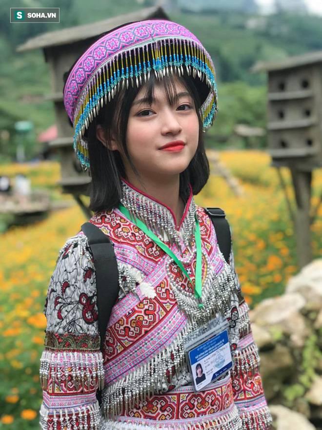 Xuất hiện chỉ 18 giây trong trang phục dân tộc, cô gái khiến dân mạng không ngừng tìm kiếm-2