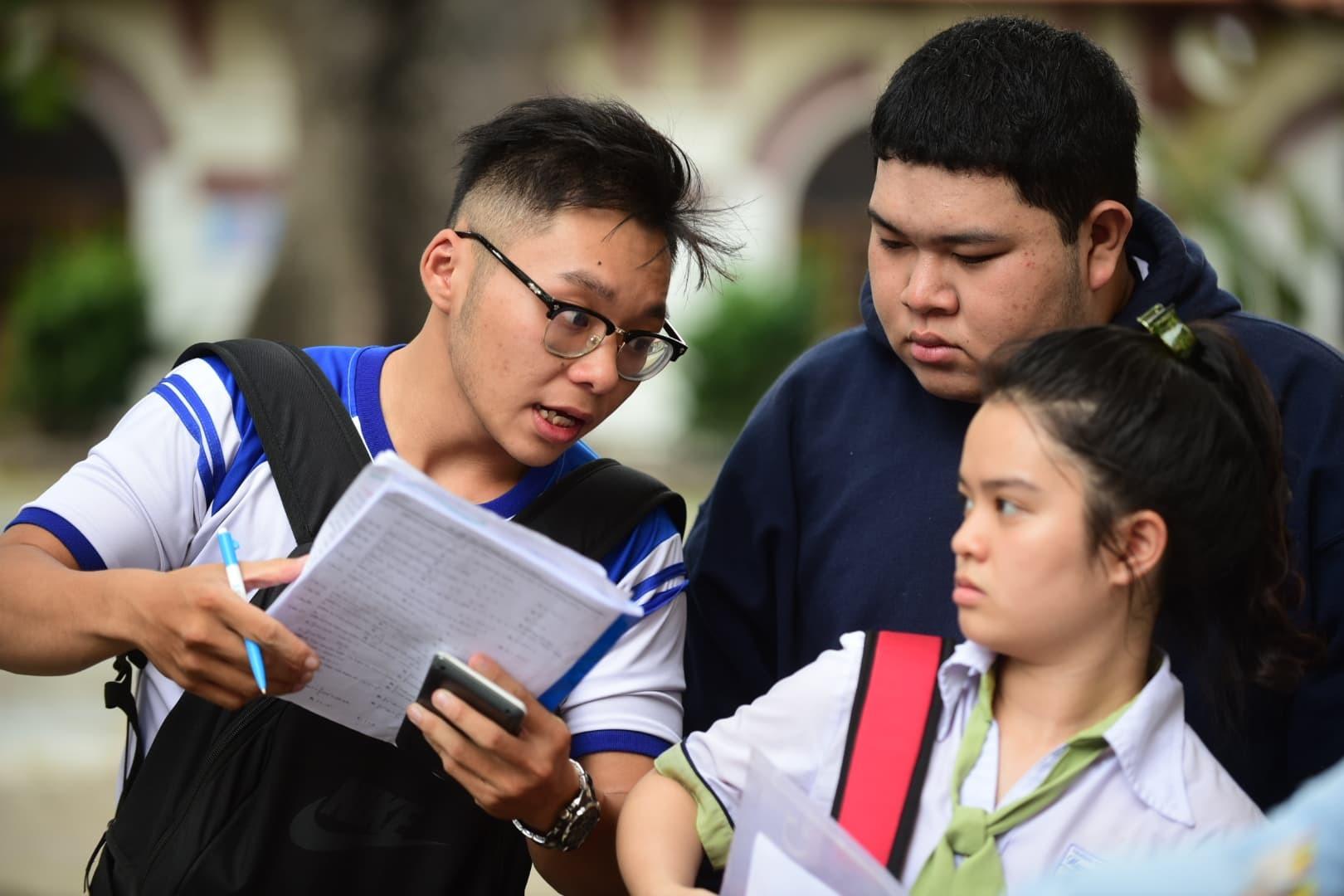 TP.HCM có 3 điểm 9, hơn 700 bài thi Ngữ văn điểm 8-1