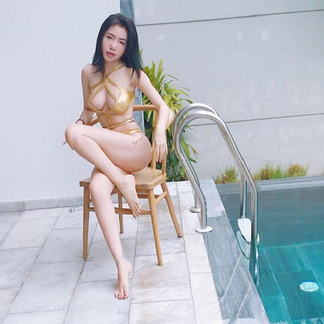 Áo tắm gắt nhất showbiz Việt: Bé xíu bằng bàn tay, cắt xẻ tứ bề...-2