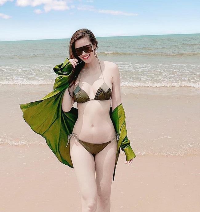 Áo tắm gắt nhất showbiz Việt: Bé xíu bằng bàn tay, cắt xẻ tứ bề...-3