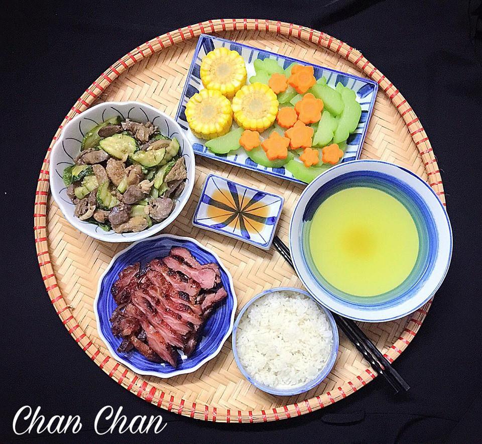9x Hà Nội khiến MXH phát sốt vì 30 mâm cơm đẹp xuất sắc, chỉn chu đến từng cọng rau miếng thịt-2