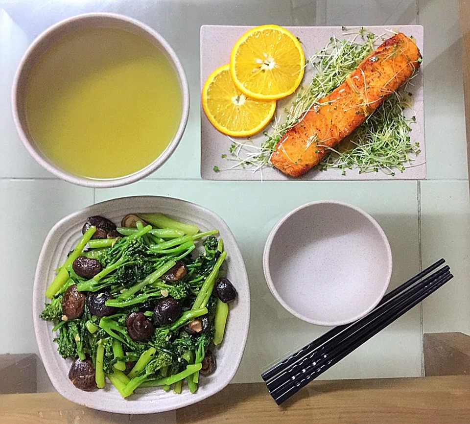 9x Hà Nội khiến MXH phát sốt vì 30 mâm cơm đẹp xuất sắc, chỉn chu đến từng cọng rau miếng thịt-3