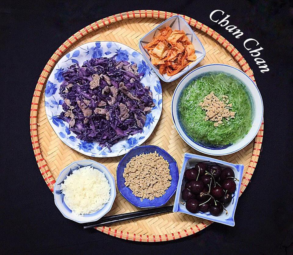9x Hà Nội khiến MXH phát sốt vì 30 mâm cơm đẹp xuất sắc, chỉn chu đến từng cọng rau miếng thịt-5