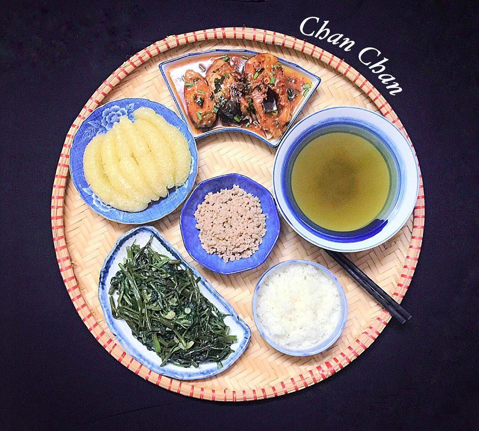 9x Hà Nội khiến MXH phát sốt vì 30 mâm cơm đẹp xuất sắc, chỉn chu đến từng cọng rau miếng thịt-6