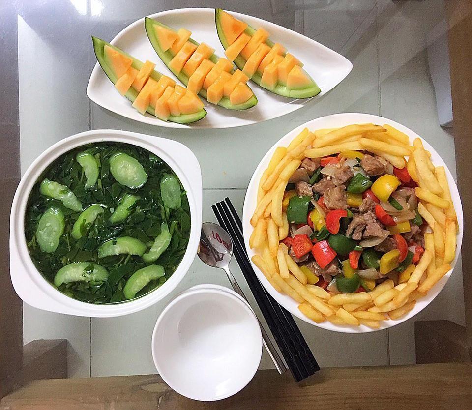 9x Hà Nội khiến MXH phát sốt vì 30 mâm cơm đẹp xuất sắc, chỉn chu đến từng cọng rau miếng thịt-7