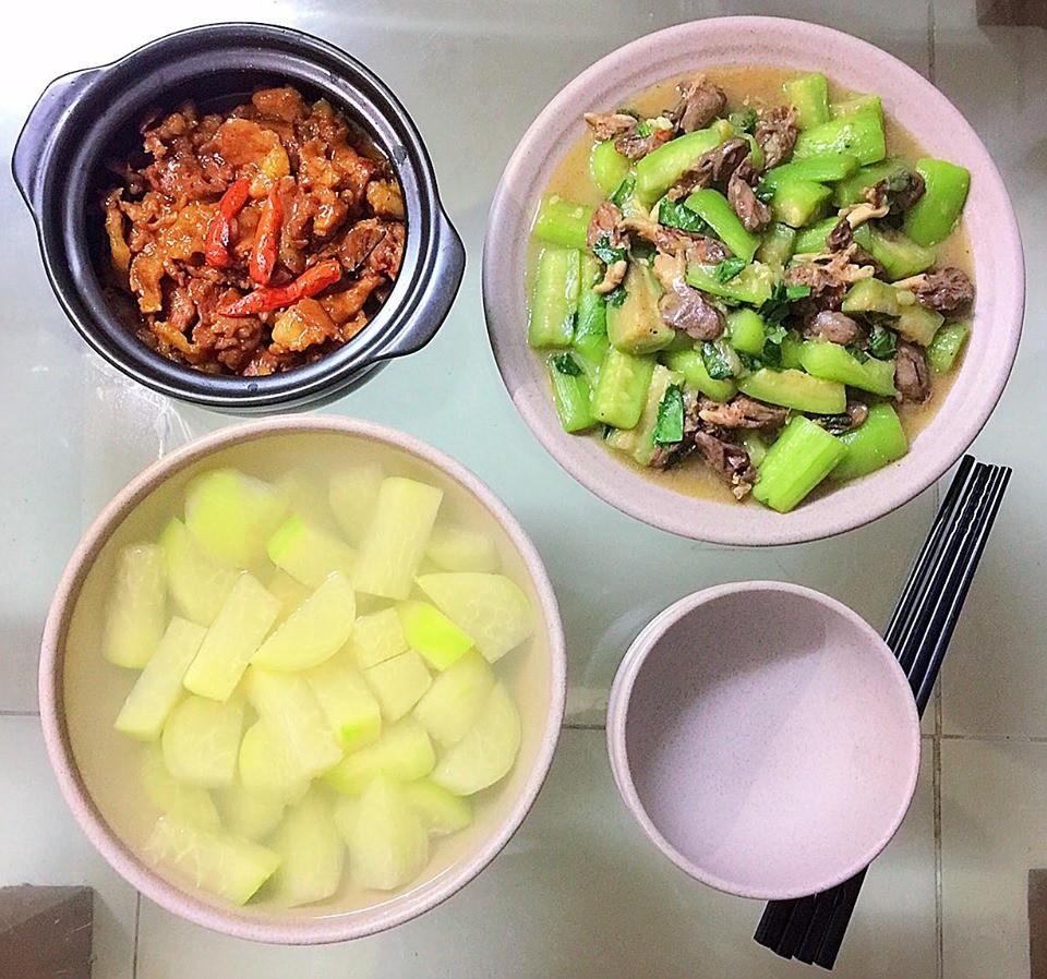 9x Hà Nội khiến MXH phát sốt vì 30 mâm cơm đẹp xuất sắc, chỉn chu đến từng cọng rau miếng thịt-11