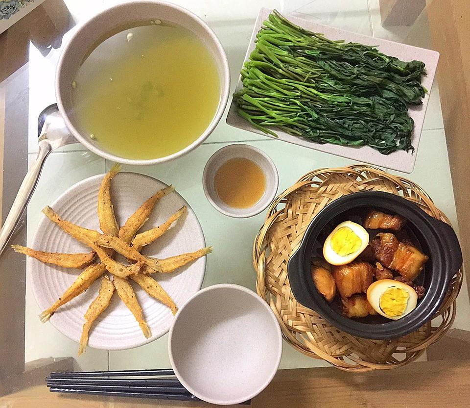 9x Hà Nội khiến MXH phát sốt vì 30 mâm cơm đẹp xuất sắc, chỉn chu đến từng cọng rau miếng thịt-14