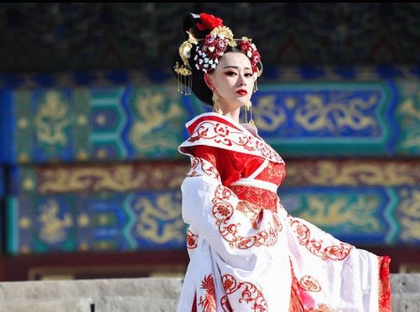 Đánh ghen phải đẳng cấp như các bà hoàng Trung Hoa: Người câm lặng đến chết, kẻ biến người thành lợn-2
