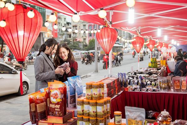 Hơn 800 thương hiệu giảm đến 50% trong mùa lễ hội Red Sale Carnival 2019-3
