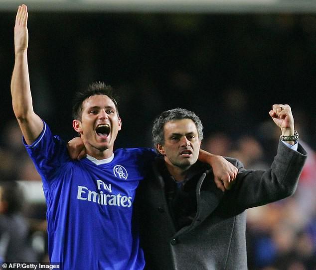 Trước mắt là chông gai, Lampard đáp trả bất ngờ khi được đề nghị xin tư vấn từ Mourinho-4
