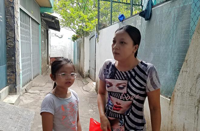 Khu phố nơi cả chục người cùng bị ngộ độc sau tiệc cưới ngày 30/6 bức xúc: Có đến 10 em bé ở xóm này phải nhập viện-6