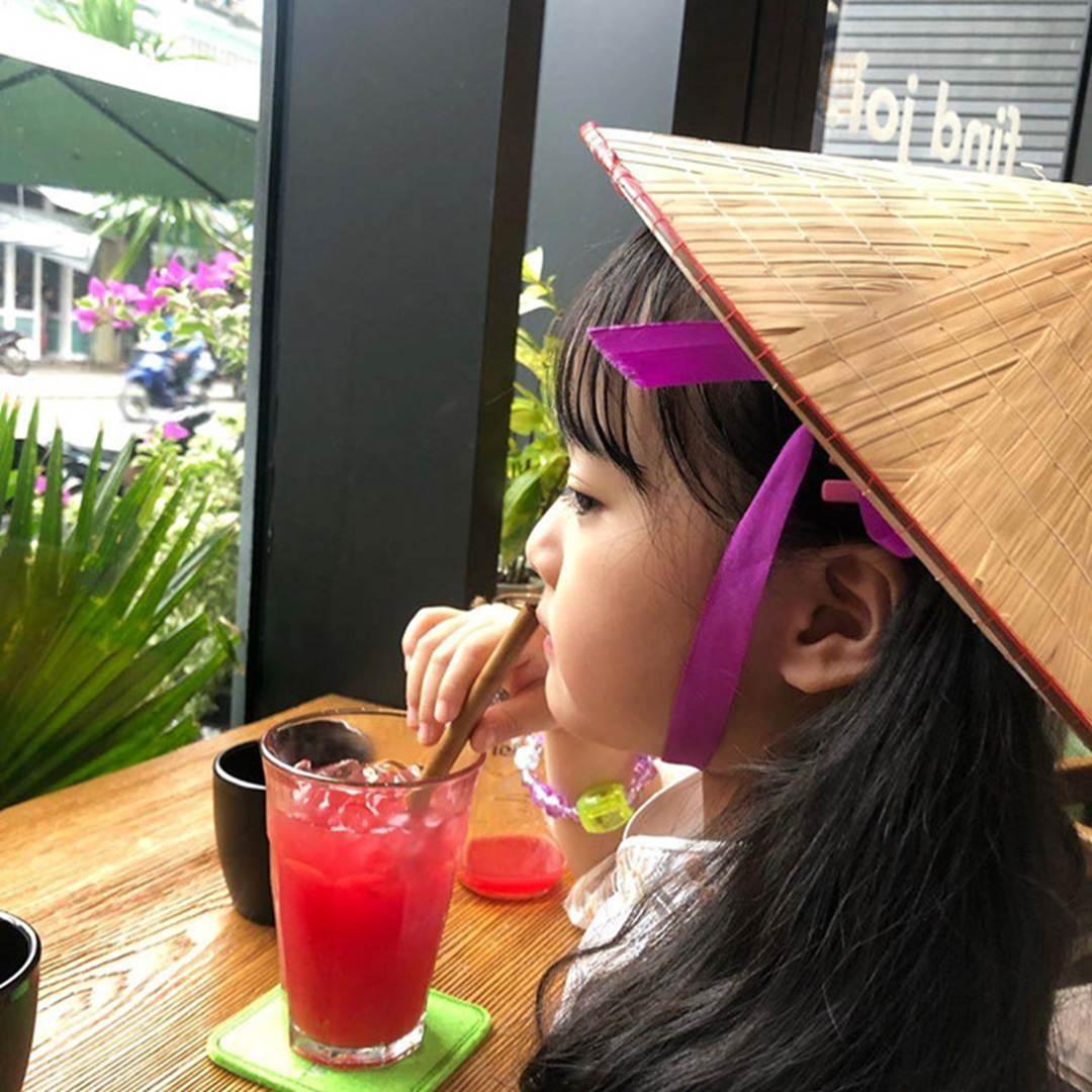 Hot kid Hàn có 1,7 triệu follow khoe mặc áo dài, đội nón lá ở Đà Nẵng-2