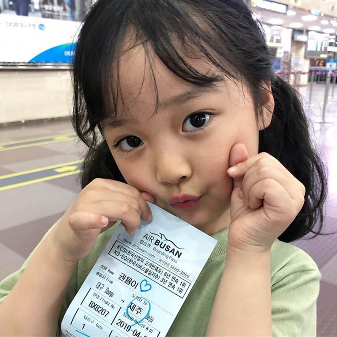 Hot kid Hàn có 1,7 triệu follow khoe mặc áo dài, đội nón lá ở Đà Nẵng-13