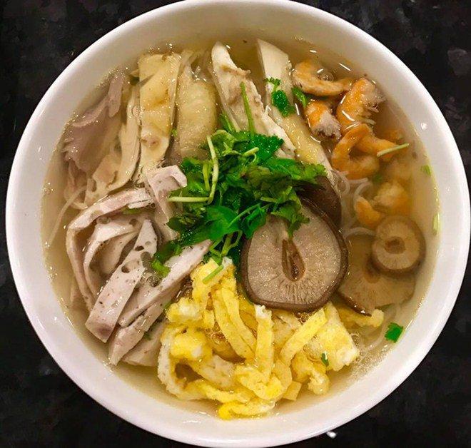 Lã Thanh Huyền khoe bữa ăn ngon khó cưỡng nhưng bình luận của hội bạn thân gây chú ý-16