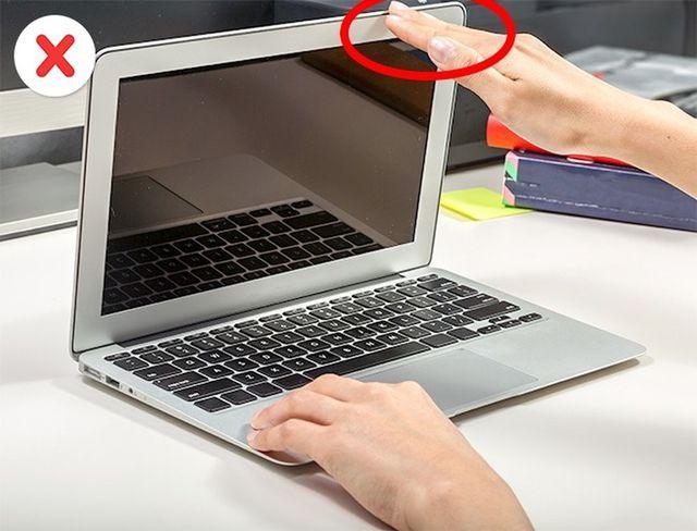 8 sai lầm thường mắc phải khi sử dụng laptop-4