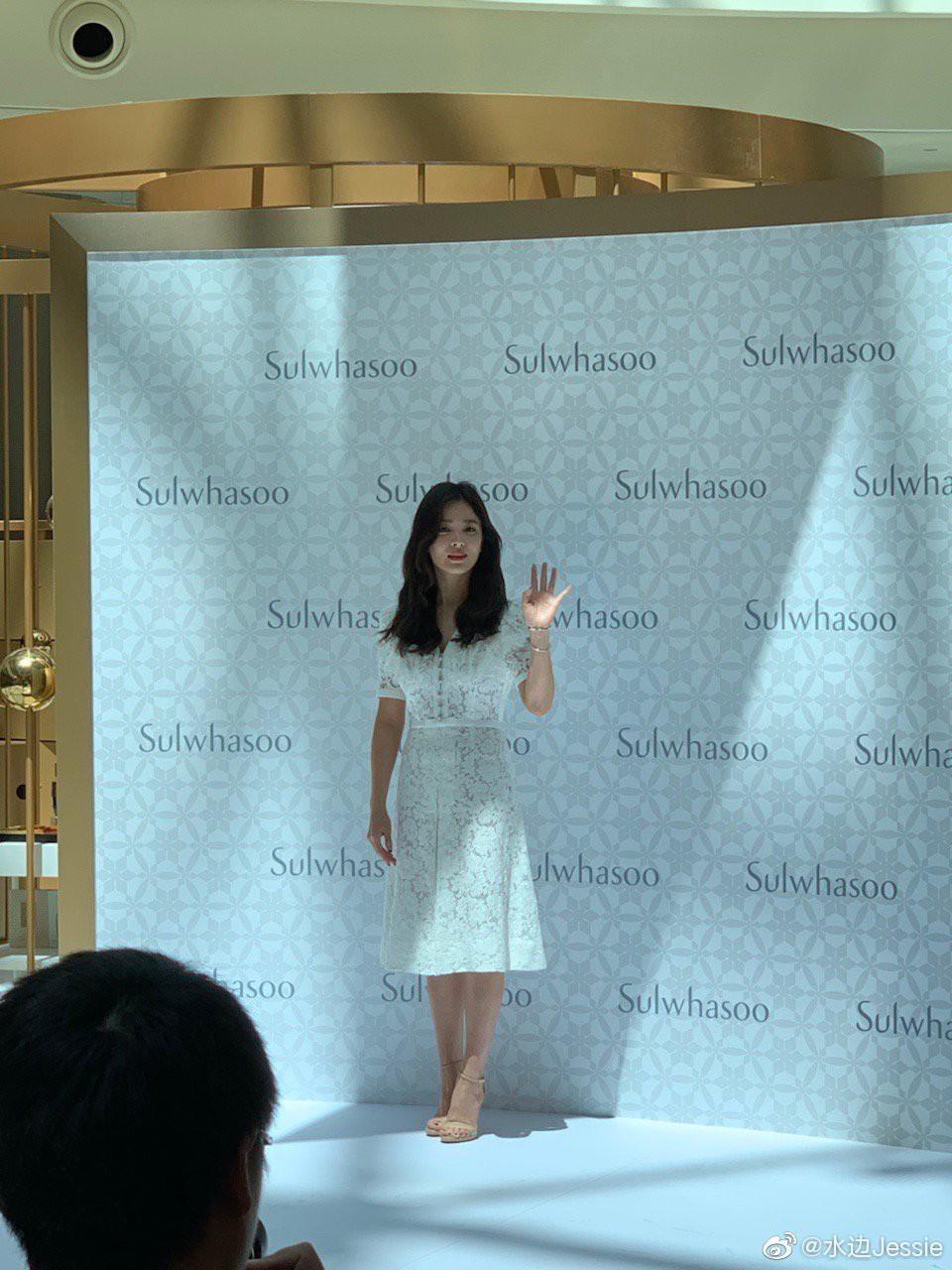 HOT: Song Hye Kyo lần đầu lộ diện sau vụ ly hôn ngàn tỷ, nhan sắc cực phẩm nhưng lại tiều tụy đến xót xa-3