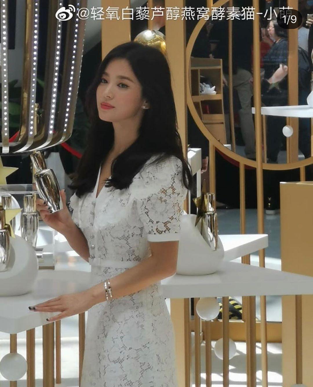 Loạt ảnh chụp vội của Song Hye Kyo gây sốt giữa bão ly hôn: Đúng là nhan sắc, thần thái bất chấp tất cả!-3