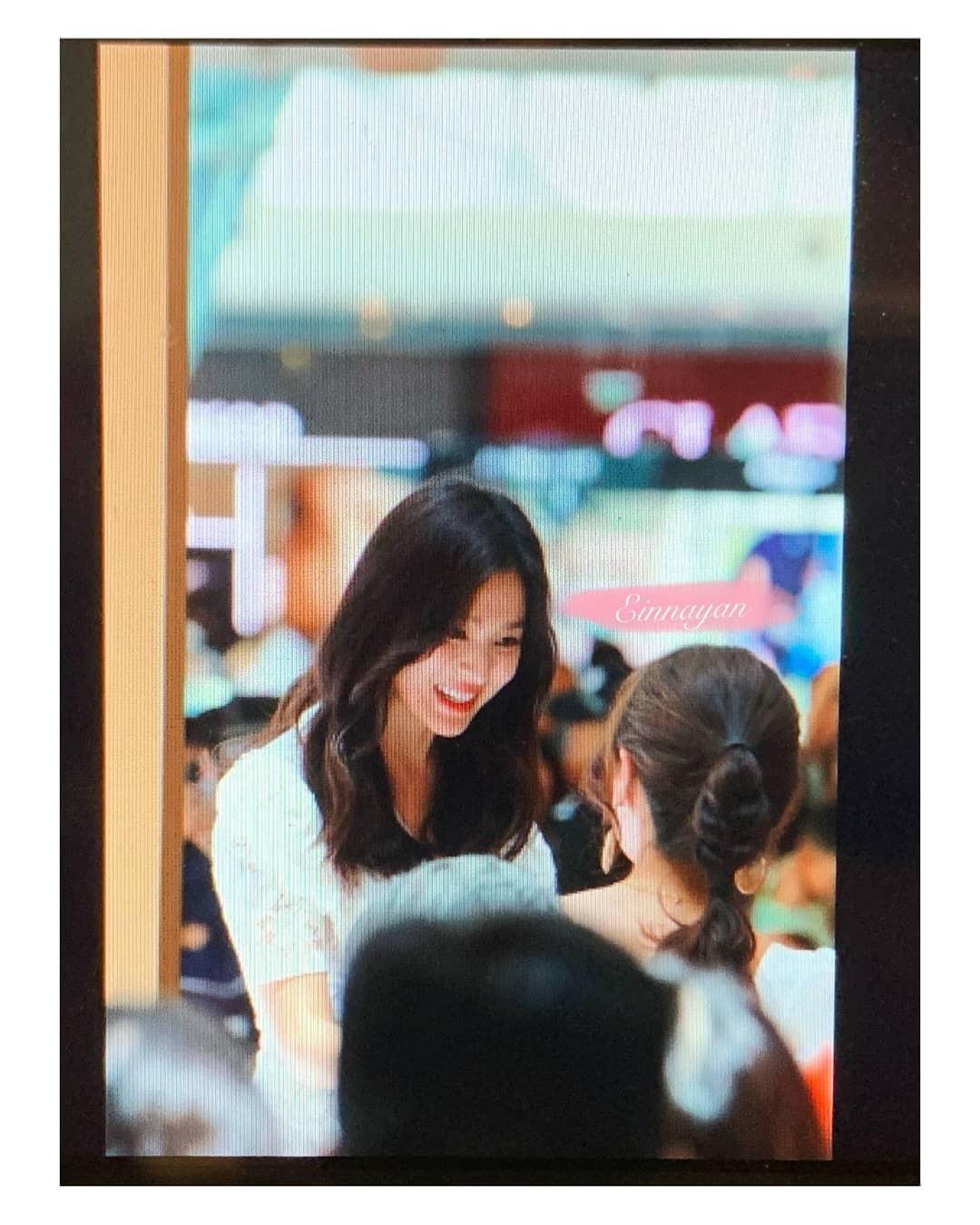 Loạt ảnh chụp vội của Song Hye Kyo gây sốt giữa bão ly hôn: Đúng là nhan sắc, thần thái bất chấp tất cả!-4