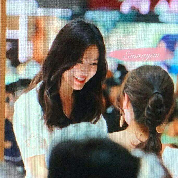 Loạt ảnh chụp vội của Song Hye Kyo gây sốt giữa bão ly hôn: Đúng là nhan sắc, thần thái bất chấp tất cả!-5