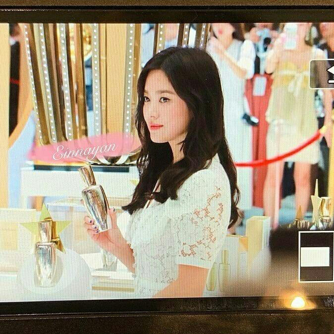 Loạt ảnh chụp vội của Song Hye Kyo gây sốt giữa bão ly hôn: Đúng là nhan sắc, thần thái bất chấp tất cả!-6
