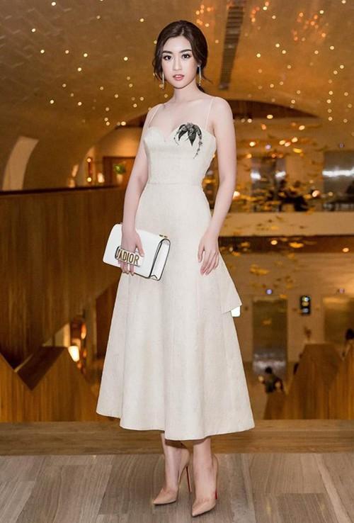 3 năm sau đăng quang, từ Hoa hậu giản dị nhất, Đỗ Mỹ Linh đang từng bước chuyển mình thành yêu nữ hàng hiệu-12
