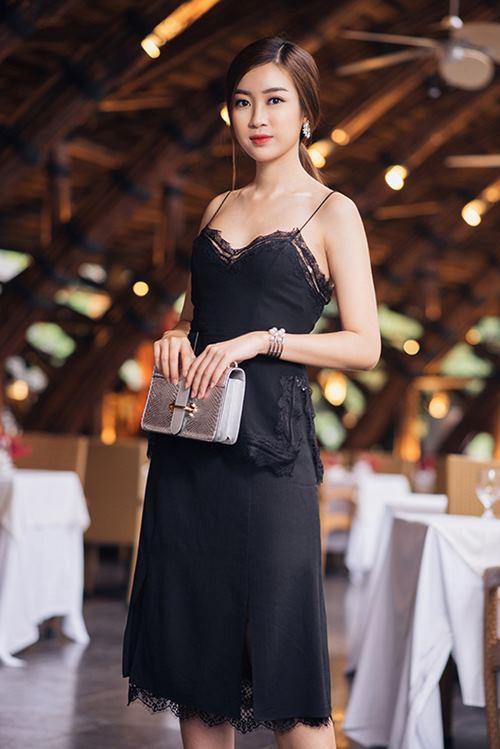 3 năm sau đăng quang, từ Hoa hậu giản dị nhất, Đỗ Mỹ Linh đang từng bước chuyển mình thành yêu nữ hàng hiệu-19