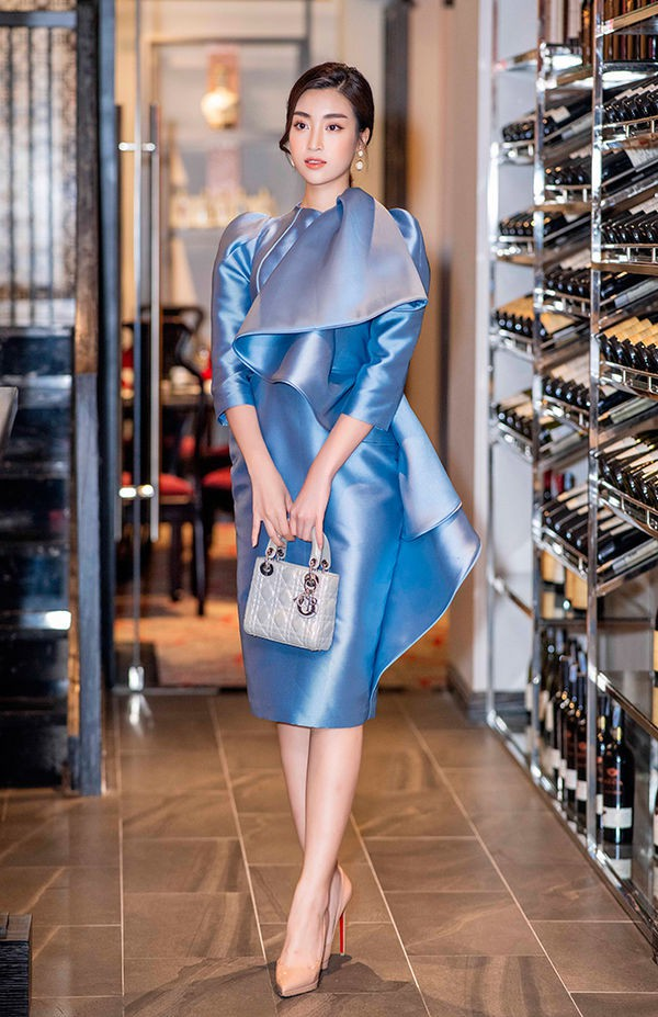 3 năm sau đăng quang, từ Hoa hậu giản dị nhất, Đỗ Mỹ Linh đang từng bước chuyển mình thành yêu nữ hàng hiệu-5