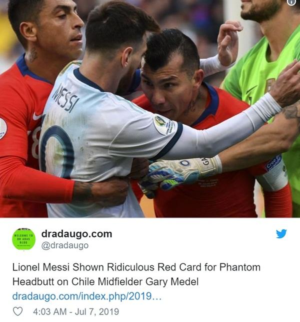Cộng đồng mạng bất bình, phẫn nộ khi chứng kiến Messi phải nhận chiếc thẻ đỏ gây tranh cãi-2