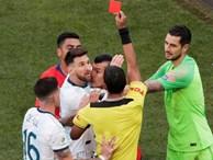 Cộng đồng mạng bất bình, phẫn nộ khi chứng kiến Messi phải nhận chiếc thẻ đỏ gây tranh cãi