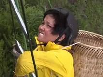 S.T hứng 'cơn mưa phân bò', H'hen Niê chóng mặt vì leo 60 m