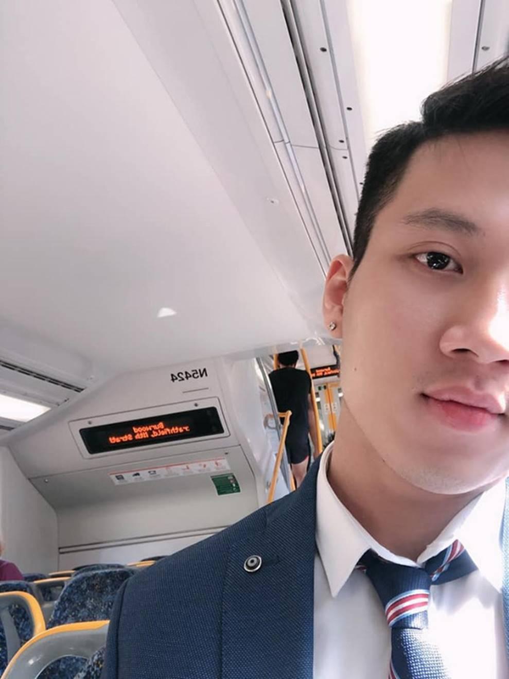 Thầy giáo Việt hot nhất MXH những ngày qua: Đẹp trai cao ráo như người mẫu, là thạc sĩ Ngôn ngữ tại Úc-10