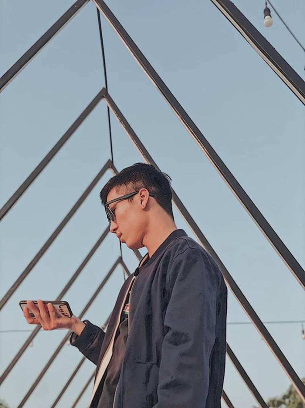 Thầy giáo Việt hot nhất MXH những ngày qua: Đẹp trai cao ráo như người mẫu, là thạc sĩ Ngôn ngữ tại Úc-6