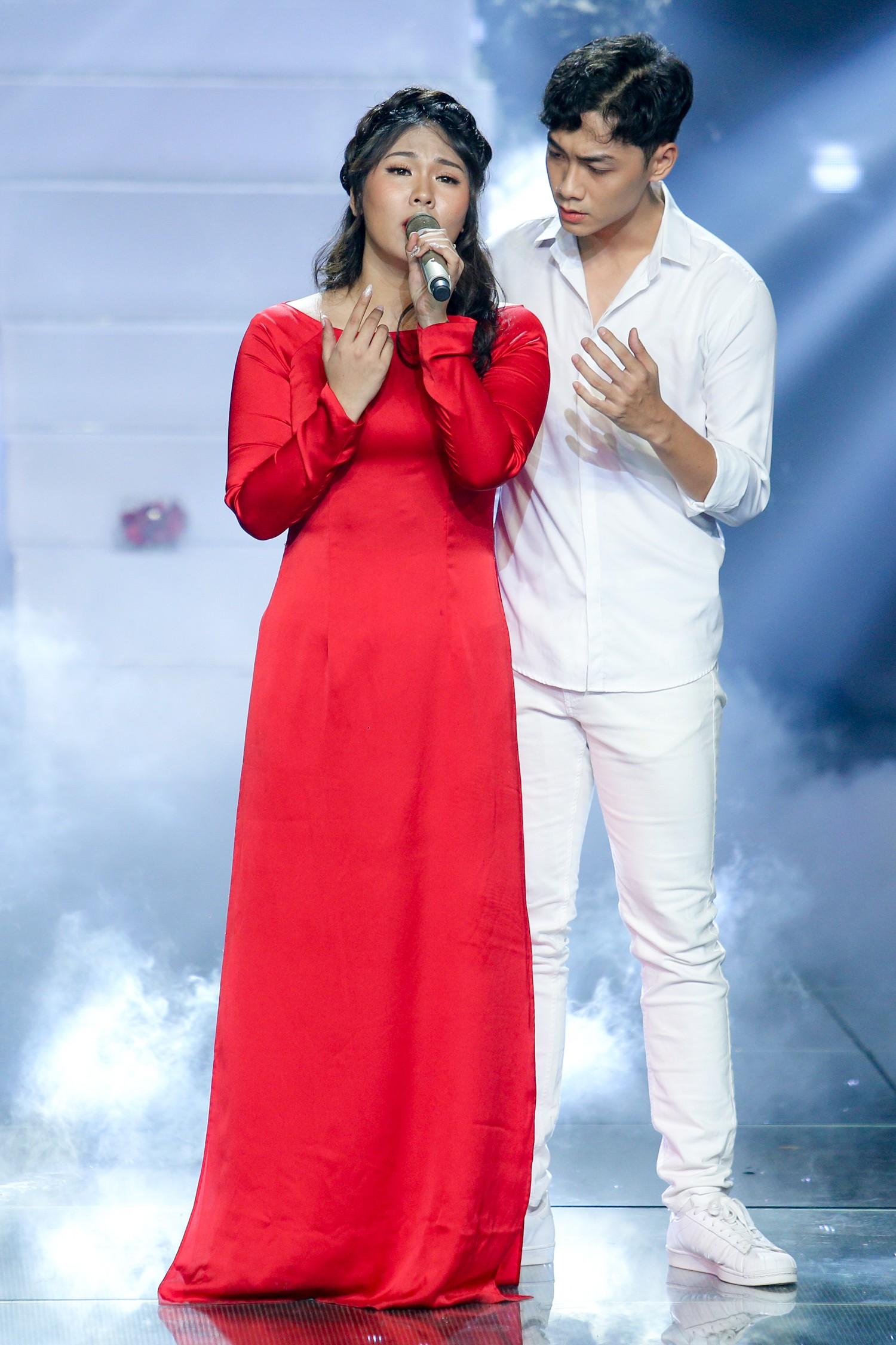 The Voice: Bị chỉ trích thiên vị gái xinh, Hồ Hoài Anh bất ngờ phản pháo ngay trên sóng truyền hình-7
