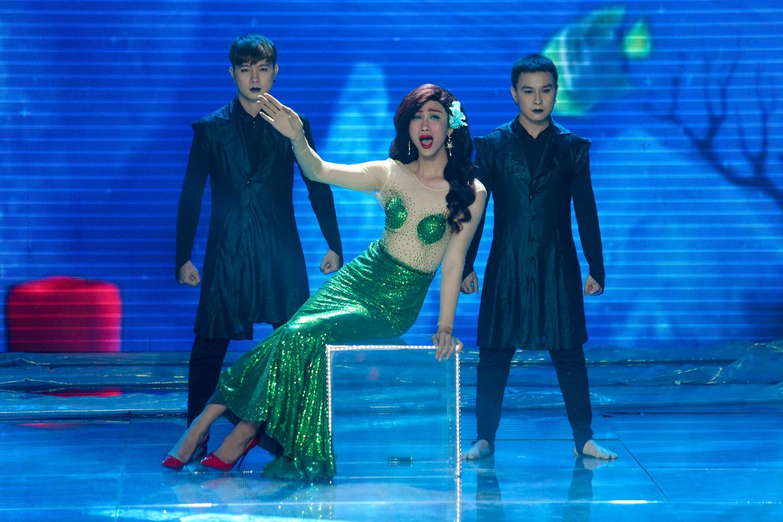 The Voice: Bị chỉ trích thiên vị gái xinh, Hồ Hoài Anh bất ngờ phản pháo ngay trên sóng truyền hình-9