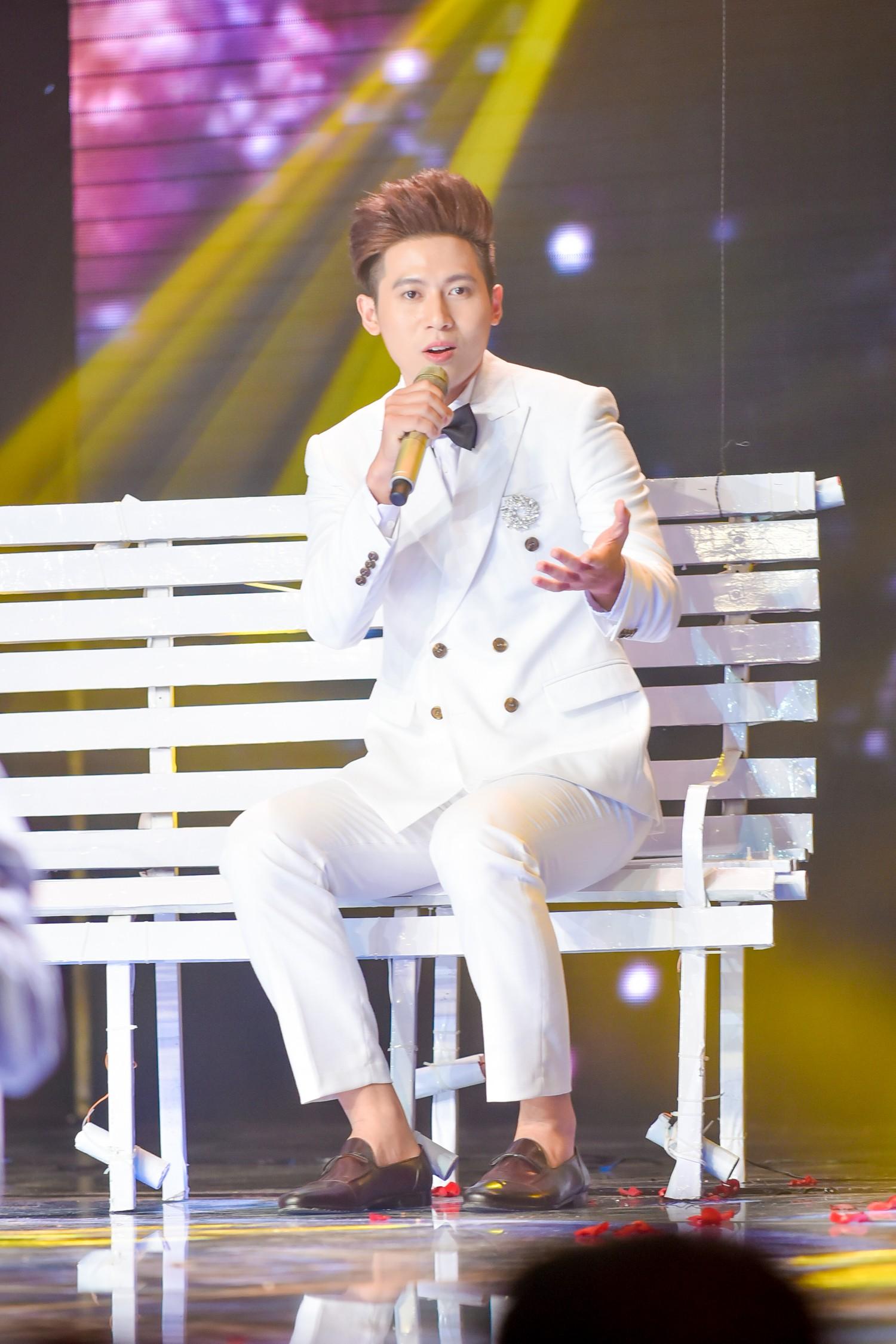 The Voice: Bị chỉ trích thiên vị gái xinh, Hồ Hoài Anh bất ngờ phản pháo ngay trên sóng truyền hình-5