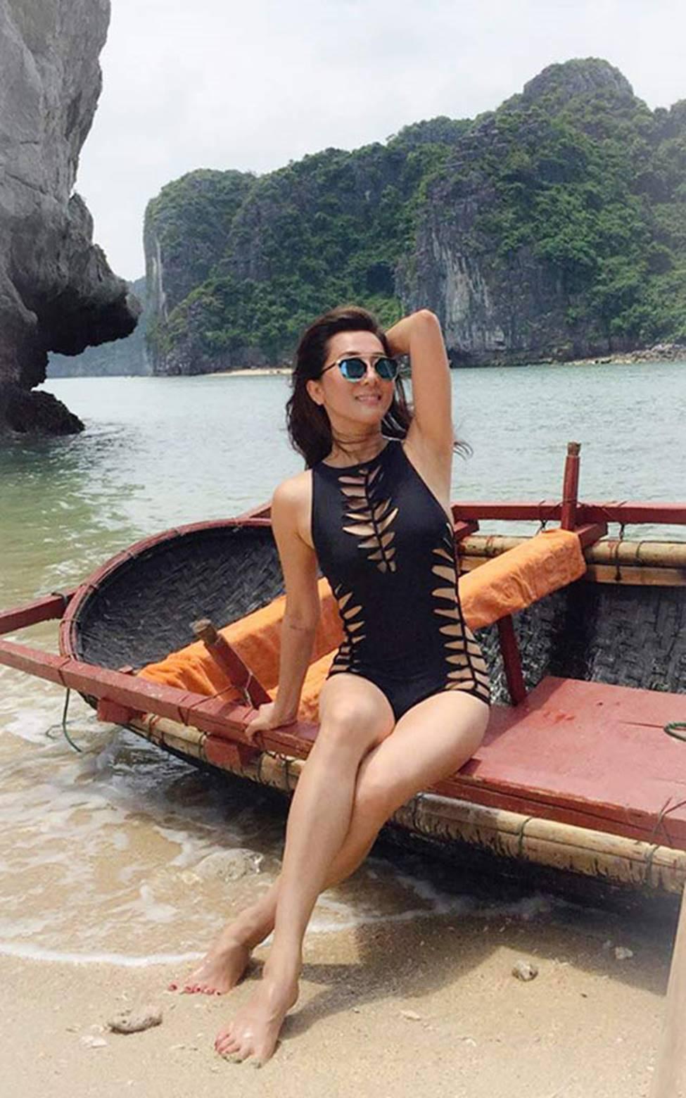MC Nguyễn Cao Kỳ Duyên, Chiều Xuân... gần 60 có body đủ sexy để mặc bikini-9