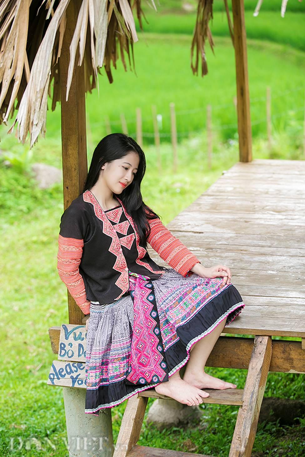 Vẻ đẹp tinh khiết của Hoàng Thùy Linh 9X thay thế hot girl Trâm Anh-4