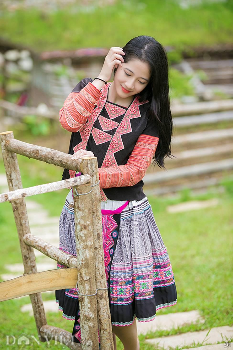 Vẻ đẹp tinh khiết của Hoàng Thùy Linh 9X thay thế hot girl Trâm Anh-5