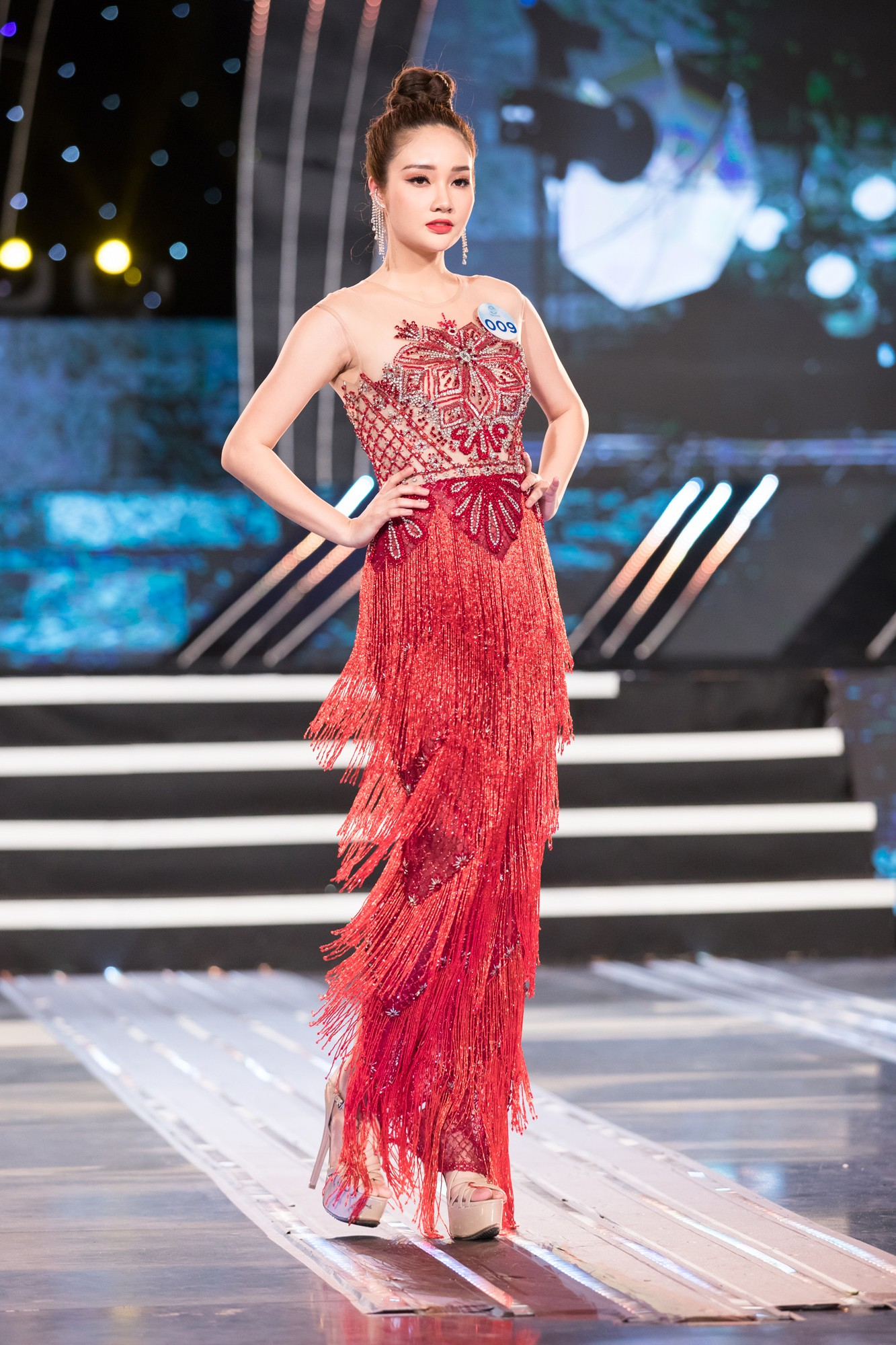 Soi nhan sắc 20 cô gái phía Bắc vừa lọt Chung kết Miss World VN: Thí sinh mặt đẹp nhất lại lộ vóc dáng đô con, thiếu đường cong-4