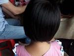 Lời kể của mẹ bé gái 6 tuổi bị ông ngoại nuôi sàm sỡ vùng kín: Chị đã đánh con vì không tin, cho đến khi...-3