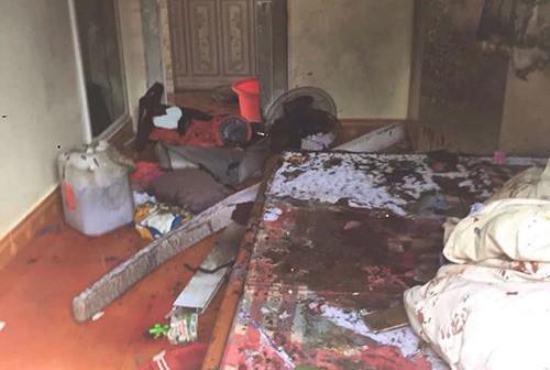 Thiếu phụ bị người tình khoá cửa tẩm xăng thiêu chết do mâu thuẫn tình cảm, mẹ và 2 con nhỏ bị bỏng nặng-1