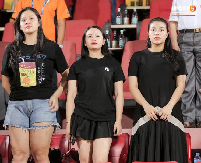 Bùi Tiến Dũng buột miệng tiết lộ sự thật về nghi án ăn hỏi chạy bầu với bạn gái Khánh Linh-3